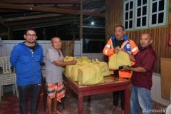 Bantuan Bakul Makanan oleh KESEDAR Kepada Mangsa Banjir